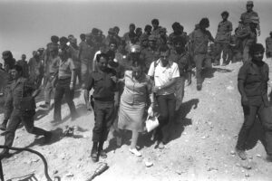 Golda VISITING AN IDF SOUTHERN COMMAND OUTPOST IN THE SINAI